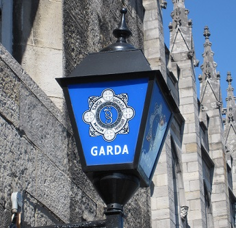 garda-station-sign-and-light